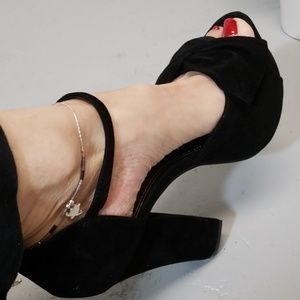Shoes - Black New chunky heel wedges size 9